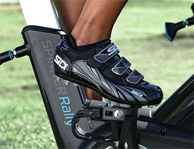 Shoe for cycling